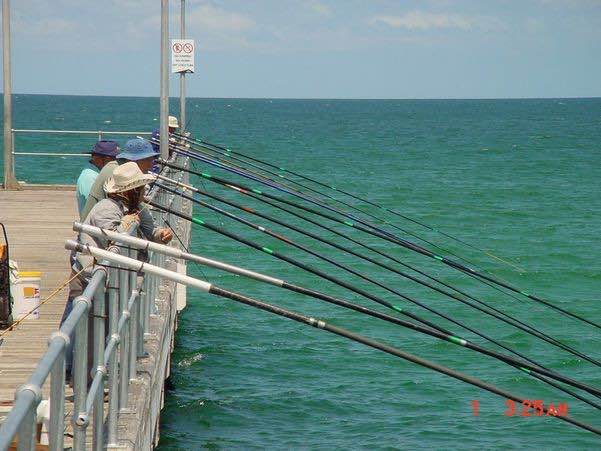 Mordialloc Pier Fishing With-Long-Rods